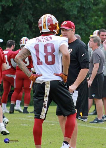 Redskins Head Coach Jay Gruden speaks with WR Josh Doctson (18).