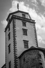 Festung Marienberg|Würzburg (theilheimer) Tags: architektur turm gebäude himmel fenster festungmarienberg würzburg franken unterfranken mainfranken