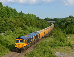 GBRf 'Yeoman Highlander' 59003 seen at Bagworth Junction working 6M40 Westbury - Cliffe Hill Stud Farm Quarry a first for this Locomotive, with Network Rail IOA boxes. (Iain Wright Photography) Tags: gbrf gbrailfreight yeoman dipper class59 emd 645 emd645 6m40 westbury highlander stud farm cliffe hill tarmac network rail ioa 5992 boxes bagworth jn leicestershire bridges fields green trees rare working ex german loco flickr nikon d7200 bridge with pole added for height gbrfyeomanhighlander59003seenatbagworthjunctionworking6m40westburycliffehillstudfarmquarryafirstforthislocomotive withnetworkrailioaboxes