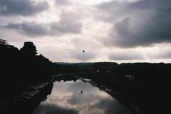 Avon reflections (knautia) Tags: vauxhallbridge riveravon bristol england uk may 2018 film ishootfilm olympus xa2 fuji superia 400iso olympusxa2 nxa2roll18 reflection river avon bridge footbridge hotairballoon balloon commute commuting