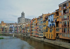 432 - Girona la belle (AnouchkA_) Tags: anouchka travel spain espana girona city urban architecture catalonia catalogne costa brava costabrava color colorfull