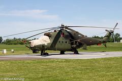Mi-24V Hind, 736, Polen (Alfred Koning) Tags: 736 epirinowroclaw locatie mi24hind mi24v polen vliegtuigen