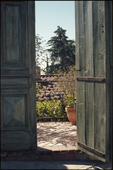 Garden doorway (ADMurr) Tags: la hollywood hills garden doorway leica m6 kodak 200 50mm summicron green orange daa345