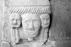 Abbaye de St-Papoul (Philippe_28) Tags: aude 11 saintpapoul cloître abbaye abbey monastère france europe