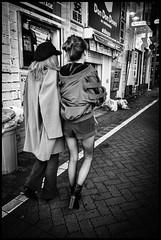 Udagawa-chō, Shibuya-ku, Tōkyō-to (GioMagPhotographer) Tags: tōkyōto peoplegroup girl shibuyaku udagawachō leicamonochrom night streetscene japanproject japan afterdark tokyo tkyto udagawach