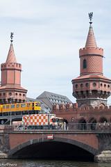 torres, tren, camion (chochera7) Tags: 2018 alemania berlin europa brick bridge bus canal channel tower train yellow