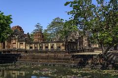 Prasat Muang Tam, Thaïlande (voyagesphotos) Tags: asia asie thaïlande thailand temple hindou hindu hinduism hindouisme hindouïsme bâtiment building khmer prasat muang tam eau water architecture landscape paysage