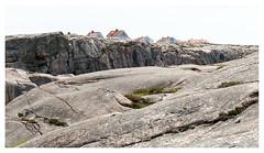 Rooftops of Smögen (leo.roos) Tags: rooftops daken smögen swedenspring2018 a7rii sonycarlzeiss1670mmf4zaossvariotessar sonycz16704 apsc smögendyxummeetjune2018 darosa leoroos rock rots scherenkust archipelago