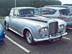 483 Bentley S3 (1965) (robertknight16) Tags: bentley british 1960s rollsroyce s3 silverstone vscc ahj86c