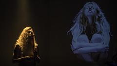 (cjuliecmoi) Tags: lancement musique albumdemusique music dark show song chanson chanteur concert