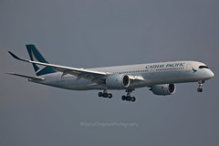 "Airbus, A350-941, B-LRX, ""Cathay Pacific"", VHHH, Hong Kong (Daryl Chapman Photography) Tags: airbus a350 a359 a350941 cx cpa cathaypacific hongkong china sar vhhh canon 5d mkiii 70200l aviation aviationphotography plane planespotting planephotography landing arrival cx156 155"