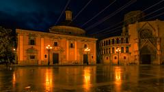 Plaza de la Virgen, Valencia, Spain. (hboudeling) Tags: valència comunidadvalenciana spain es valencia cathedral cuitatvella plazadelavirgen night bluehour oldtown hsitoric roman