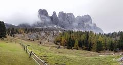 Bergpanorama (inmyeyespictures) Tags: südtirol south tyrol italien italy berge mountains wald forrest bäume trees wandern walking hiking canon 5d iv sigma 24 14 art landschaft landscape