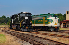 NS Heritage Locomotives Family Photographs 1073 a (Joseph C. Hinson Photography) Tags: ns1073 penncentral southernrailway sou6900 spencer northcarolinna nsheritagelocomotivesfamilyphotographs heritagepaintschemeemd e8
