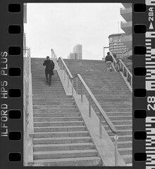 NCP_003 (nocrop.project) Tags: ncp nocropproject filmphotography filmisnotdead grainisgood istillshootfilm monochrome blackandwhite 35mmfilm analogue photography darkroom neorealism streetphotography ordinarylife milan italy ilford hp5 selfdeveloped canon ae1 architecture cityscape