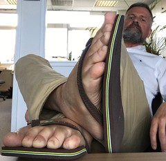 Flip-flop Friday 2. (silvpix) Tags: man guy havaianas brown flipflop flipflops feets barefeet barefoot