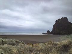 Take me on (.KiLTRo.) Tags: wind beautiful nature iphone piha auckland newzealand nz kiltro paisaje landscape seascape beach playa sand arena rocks rocas sky cielo clouds nubes