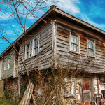 old wooden house thumbnail