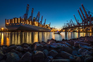 At night inside of the Container Terminal - Nachts im Container Hafen