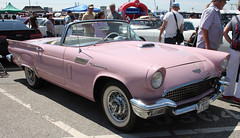 Miss Piggy (Schwanzus_Longus) Tags: street mag show hamburg german germany old classic vintage car vehicle cabrio cabriolet convertible topless ford thunderbird