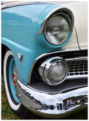 Eyebrow. 1955 Ford. Sugarcreek, OH (bobchesarek) Tags: ford 1955 fairlane club 1955fordfairlaneclubsedan classic twotone fordv8