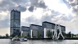 The Berlin Allianz-Treptowers with Molecule Men