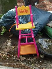 Little Sheldon his seat (mkorsakov) Tags: münster city innenstadt sperrmüll trash stuhl chair shelly littlesheldon pink gelb yellow