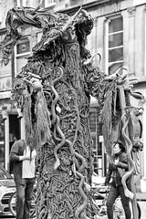 Living Statue (just.Luc) Tags: livingstatue bn nb zw monochroom monotone monochrome bw man male homme hombre uomo mann edinburgh edinbourgh royaumeuni verenigdkoninkrijk unitedkingdom grootbrittanië grandebretagne greatbritain scotland schotland ecosse europa europe