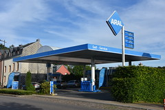 Aral, Steinfort Luxembourg. (EYBusman) Tags: aral petrol gas gasoline filling service station garage steinfort arlon road luxembourg bp british petroleum eybusman