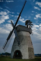 Windmühle / Windmill (R.O. - Fotografie) Tags: windmühle windmill hille natur nature blauer himmel blue sky mühle mill minden rofotografie outdoor gebäude alt old panasonic lumix dmcfz1000 dmc fz1000 fz 1000