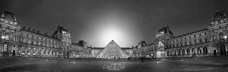 Le Louvre-Paris