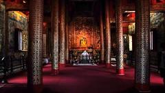 Wat Phra Singh (Raúl Alejandro Rodríguez) Tags: columnas columns templo temple interior budista buddist chiang mai tailandia thailand