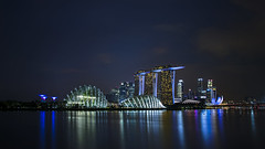 Blue Hour at Gardens by the Bay 🌃 (thecrapone) Tags: bluehour singapore gardensbythebay marinabaysands marinabay night blue reflection neon architecture building cityscape 80d 1750mm longshutter glow