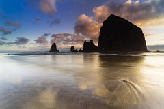 Cannon Beach MMXVIII.II (IanLudwig) Tags: vsco sony ilce7rm2 sonyilce7rm2 a7rii sonya7rii sonyalpha sonyalphaa7rii surf beach beaches clouds reef sand sunset waves haystackrock cannonbeach cpl rgnd leefilters batis2818 batis zeiss zeissbatis2818