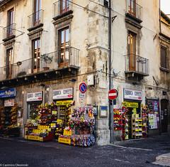 Vendita confetti (SDB79) Tags: confetti strada edificio sulmona abruzzo cultura