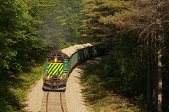 Garage Queen (ryanfothergill) Tags: sand bridge nh newhampshire eastwakefield ossipee gp18 1801 nhn train road rail