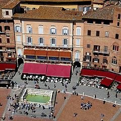 Siena, Toscana (pom'.) Tags: torredelmangia piazzadelcampo panasonicdmctz101 april 2018 siena toscana tuscany italia italy europeanunion 100 200 5000 300