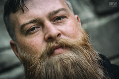 BM_01 (SBW-Fotografie) Tags: mann man bart beard sbw sbwfoto sbwfotografie portrait porträt beardedbadboys bbb viking wikinger naturallight availablelight existinglight bokeh outdoor canon 70d canon70d 100mm