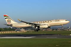 Etihad Airways  Airbus A330-243 A6-EYO (widebodies) Tags: brussels brüssel bru ebbr widebody widebodies plane aircraft flughafen airport flugzeug flugzeugbilder etihad airways airbus a330243 a6eyo