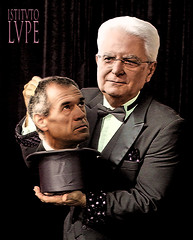 MAGICOTTARELLA (@LuPe) Tags: mattarella cottarelli governo savona conte salvini dimaio quirinale mago cilindro coniglio