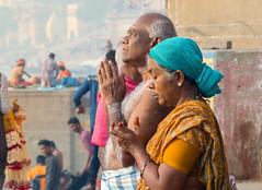En prières..ou pas.. Varanasi (geolis06) Tags: eolis06 asia asie inde india uttarpradesh varanasi benares gange ganga ghat inde2017 olympus hindu hindou religieux religious sage sadhu banaras pilgrim pélerin olympusm75300mmf4867 olympusem5 geolis06