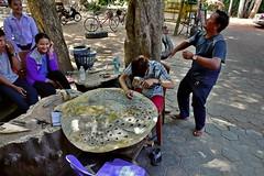 Изделия из кожи (Oleg Nomad) Tags: камбоджа сиемрип ангкор храм кхмеры cambodia siemreap angkor temple asia travel