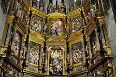 Astorga (León-España). Catedral. Retablo Mayor de 1584, obra de Gaspar Becerra. Zona media (santi abella) Tags: astorga león castillayleón españa catedraldeastorga retablos