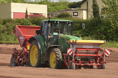 John Deere 6150M Tractor with a Grimme GR300 Front cultivator & Fertilizer Box with a Grimme GB215 Potato Planter (Shane Casey CK25) Tags: john deere 6150m tractor grimme gr300 front cultivator fertilizer box gb215 potato planter fermoy traktor traktori tracteur trekker trator ciągnik potatoes spuds spud tatties sow sowing set setting drill drilling tillage till tilling plant planting crop crops cereal cereals county cork ireland irish farm farmer farming agri agriculture contractor field ground soil dirt earth dust work working horse power horsepower hp pull pulling machine machinery grow growing nikon d7200 jd green