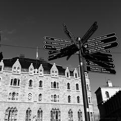 Directions (dcasadovaldes) Tags: urban ciudad city blackandwhite blancoynegro monumento gaudi botines españa spain leon
