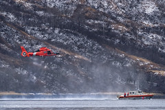 USCG H-65 (rishaisomphotography) Tags: uscg unitestatecoastguard h65 helicopter militaryaircraft kodiak alaska sar smallboat water womensbay action