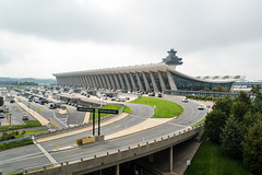 dulles airport by eero saarinen (1962) (washingtonydc) Tags: airport architecture dulles iad saarinen washingtondc