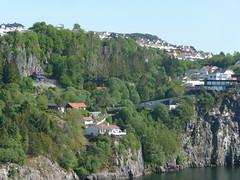 Azura departing from Bergen (jimcnb) Tags: geo:lat=6038688920 geo:lon=519344330 geotagged 2018 mai bergen norwegen kreuzfahrt azura