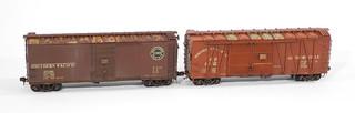 Weathering Brass HO Scale Box Cars by Jeff Lemke Trains, Inc.