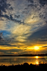 ''It's over my head'' !! (Bob's Digital Eye) Tags: bobsdigitaleye canon canonefs1855mmf3556isll clouds flicker flickr laquintaessenza lake lakesunsets lakescape may2018 reflections silhouette sky t3i water